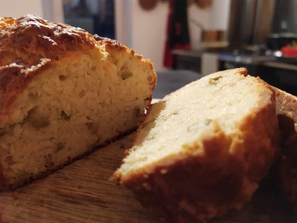 Cake aux olives et au parmesan octobre 2021 tronche de cake